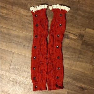 NWOT Red Leg Warmers with Cotton Lace & Buttons ♥️
